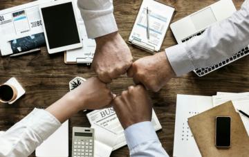 SWOT-анализ бизнеса: как провести SWOT-анализ (с помощью бесплатного шаблона)