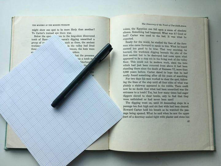 Скорочтение: как читать быстрее перед сном
