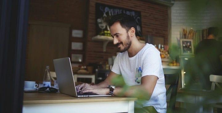 Откажитесь от кабины: работайте где угодно с этими вакансиями цифровых кочевников